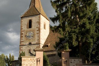 Hunawihr : Église fortifiée Saint-Jacques-le-Majeur du XIV siècle