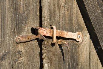 Alsace Loquet d'une porte de grange en bois