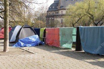 le campement de sans abris au centre ville quai Jacques Sturm à Strasbourg en 2007