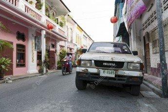 Voiture 4x4 dans une rue de Phuket