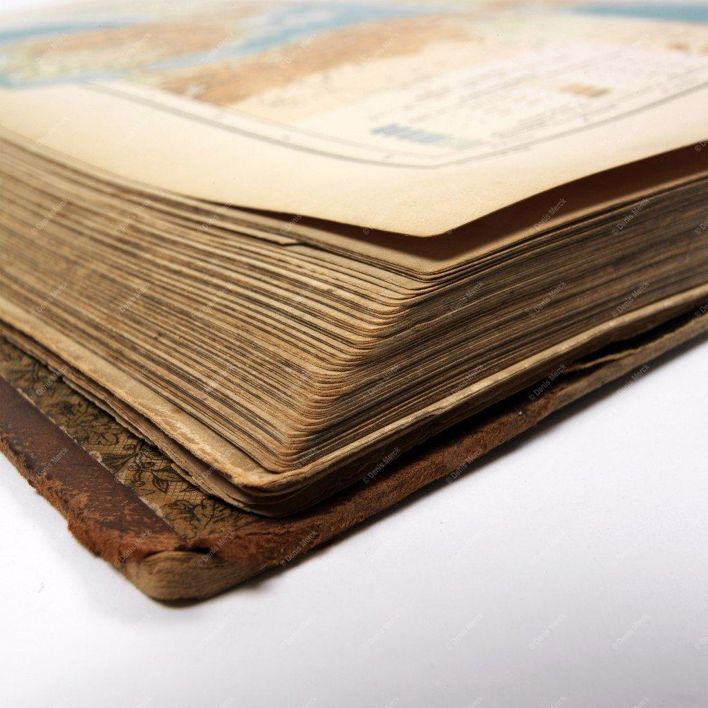Livre Ancien Ouvert Photo En Gros Plan Sur Les Pages D Un