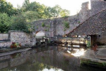 Wissembourg : la Lauter avec les remparts dans le quartier du Bruch