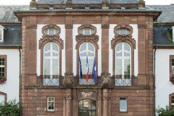 Façade de l'hôtel de ville de Haguenau en Alsace du Nord