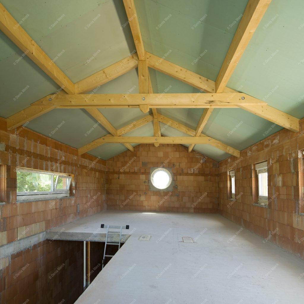 Intérieur d'une maison en brique