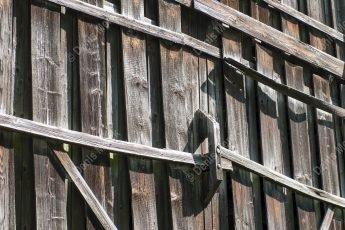Porte de grange en bois