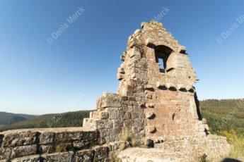 Le château fort semi-troglodyte du Fleckenstein