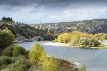 Aiguèze dans gorges de l'Ardèche
