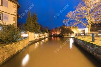 Wissembourg - La Lauter coule paisiblement dans le quartier touristique