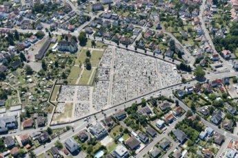 Vue aérienne de Haguenau avec le cimetière