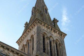 Le clocher de l'église de Marches