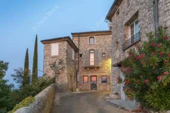La Garde Adhémar en Drôme provençale
